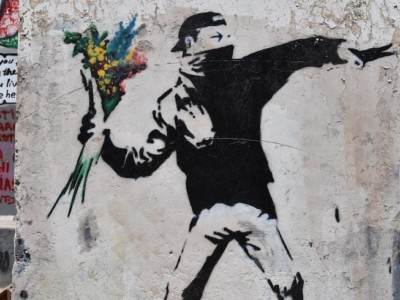 Le metafore di Banksy in mostra a Milano