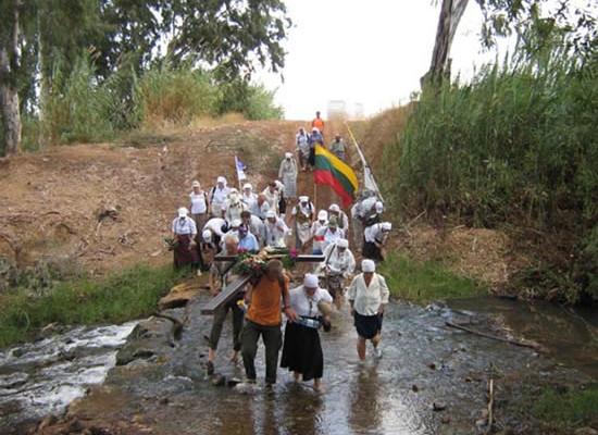 Gli ultimi tre giorni di cammino, in Israele, sono stati resi ancora più ardui da pioggia e fango.