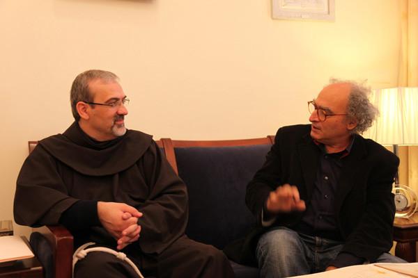 Michele Canzoneri con el padre custodio