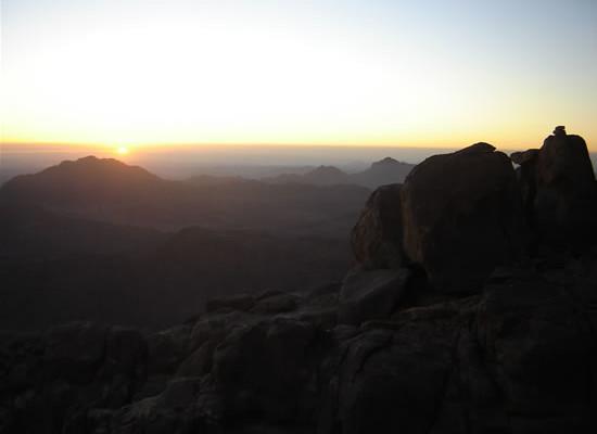 L'alba dalla vetta del Monte Sinai.