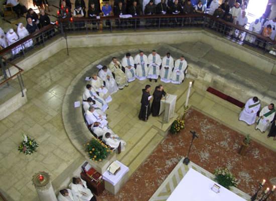 Solenne celebrazione della Messa d'apertura del capitolo nella basilica dell'Annunciazione a Nazareth.