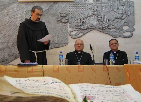 Il padre Custode accoglie il patriarca latino di Gerusalemme, Michel Sabbah, e il coadiutore Fouad Twal.