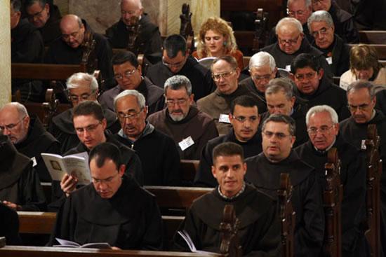 Gerusalemme, 19-25 novembre 2006. Congresso mondiale dei Commissari di Terra Santa. Celebrazione corale dei vesperi.