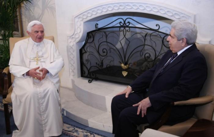 Dal Palazzo presidenziale, il Papa ai politici: ecco come servire il bene comune