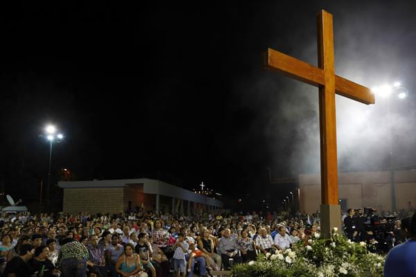 Con i fedeli di Mi'ilya la processione nella festa dell'Esaltazione della Croce. (foto CMC - A. Amireh)