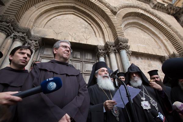 Il Santo Sepolcro sbarrato per protesta