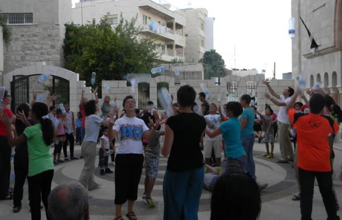 ... nel cortile della parrocchia melchita di Betlemme. (foto S. Clementi)