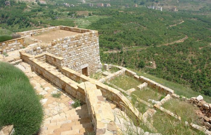 I resti del monastero di San Giacomo degli Abissini, fondato nella valle di Qadisha nel Tredicesimo secolo.