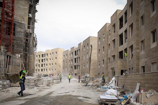Una veduta del cantiere di Rawabi, in uno scatto risalente al febbraio 2014. (foto Hadas Parush/Flash 90) [clicca sulla foto per la galleria 1/4]