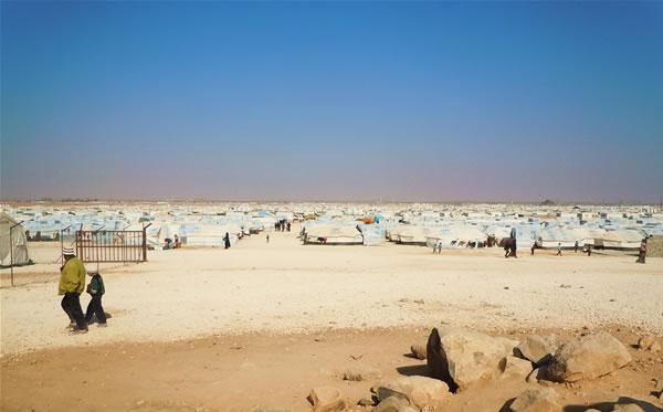 Il campo di Za'atari si estende a perdita d'occhio. (fotogallery di A. Clementi)