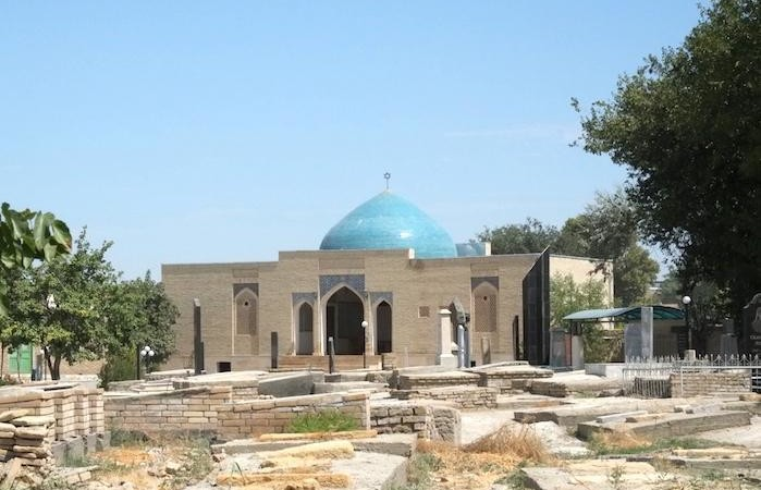 La cupola della sinagoga di Bukhara, sormontata dalla stella di Davide. In città è rimasto solo un centinaio di ebrei. (foto F. Pistocchini)