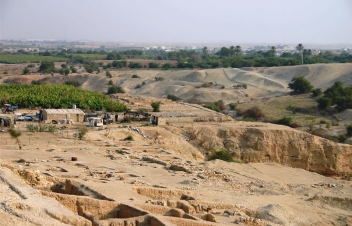 Veduta panoramica dei resti archeologici del palazzo di Erode nei pressi di Gerico. (foto S. Lee) [galleria foto 1/5]