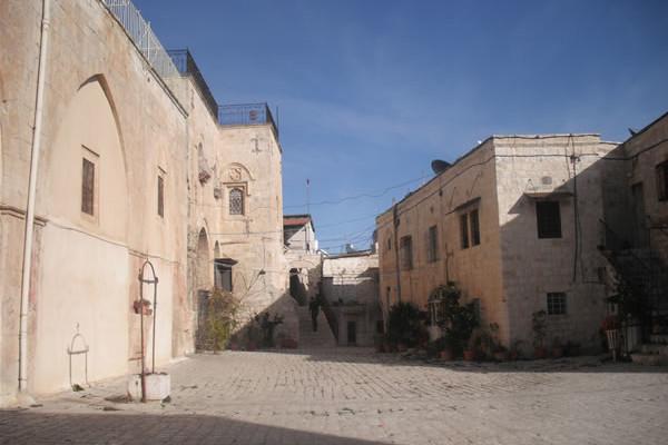 La piazza principale del quartiere armeno.