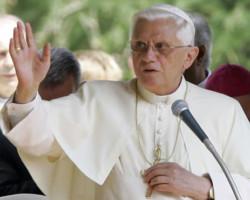 Benedetto XVI torna a scongiurare pace per il Medio Oriente