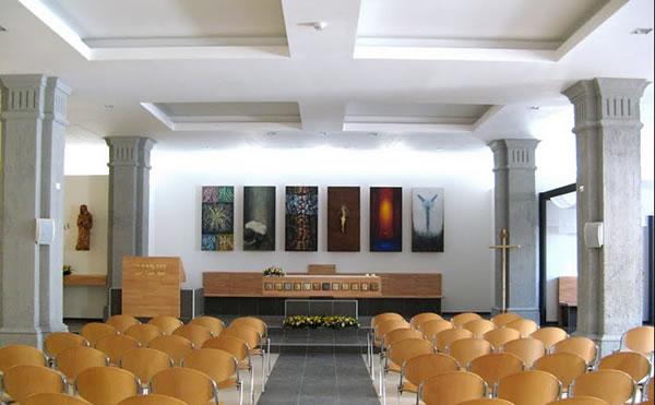 Veduta della cappella del centro <i>Io sono la luce del mondo</i>.