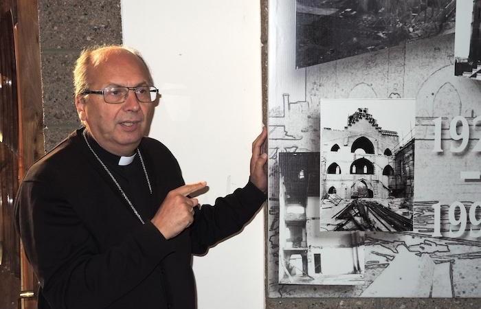Monsignor Jerzy Maculewicz illustra le traversie della chiesa cattolica a Tashkent, la capitale. (foto G. Sandionigi)