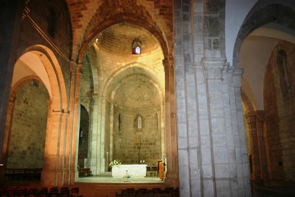 L'interno della basilica gode di un'acustica impareggiabile.