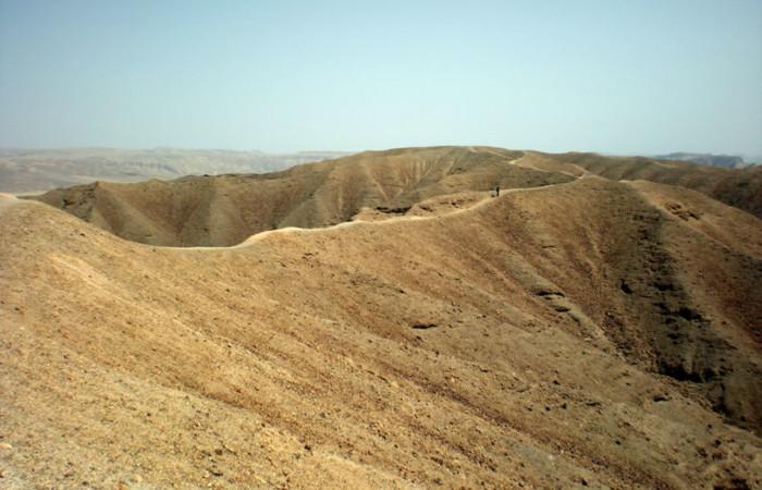 Un sentiero in cresta.