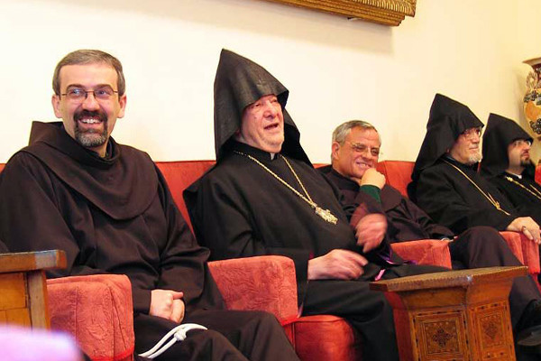 La scomparsa del patriarca armeno di Gerusalemme Torkom II Manougian