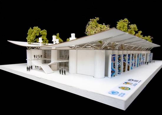 Un plastico della «scuola verde» di Khan Younis, progettata dall'architetto Mario Cucinella e in via di costruzione.
