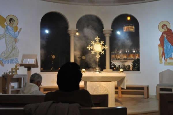 ... e della Comunità <i>Chemin Neuf</i> per la sua preghiera quotidiana.