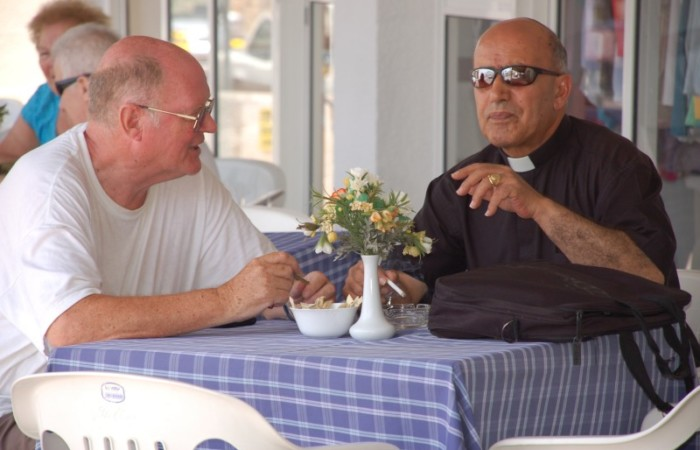 Padre James Kennedy (a sinistra) con padre Elias Odeh.