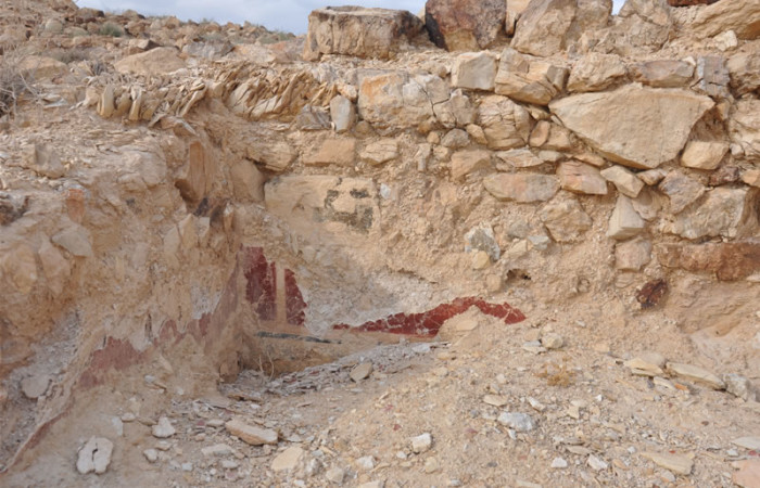 Sempre a Gerico, muri e mosaici che si sfaldano negli scavi di Cypros. (foto O. Hamdan)