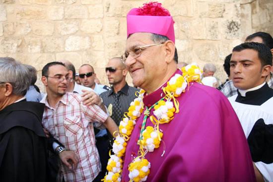 22 giugno, il nuovo patriarca latino lascia il Santo Sepolcro dopo il solenne ingresso.