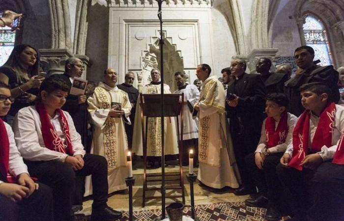 La funzione della lavanda dei piedi, celebrata nel Cenacolo dal Custode, fra Francesco Patton (foto CTS)