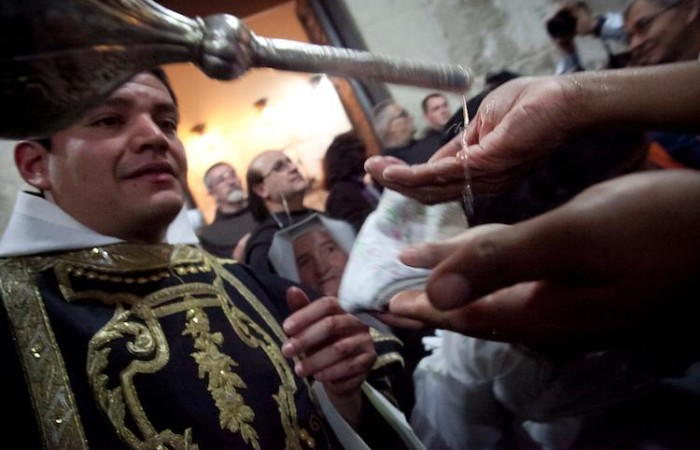 Un momento della celebrazione del Funerale di Gesù (foto Marie-Armelle Beaulieu/CTS)