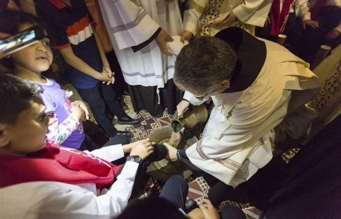 Il Custode di Terra Santa, fra Francesco Patton, commemora il gesto di Gesù con gli Apostoli nel Cenacolo (foto CTS)