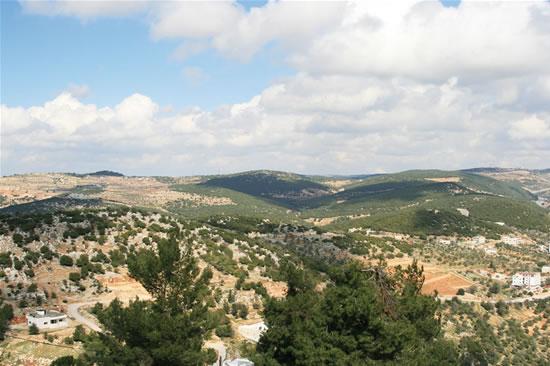 Tell Mar Elias. Sul monte del profeta delle tre religioni