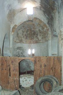 St. Artemon, nel villaggio di Aphaneia. La chiesa è attualmente usata come magazzino.