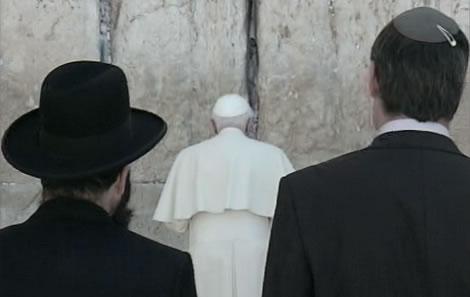 Ratzinger nei luoghi più santi per musulmani ed ebrei
