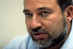 Una spada di Damocle sulla testa di Avigdor Lieberman