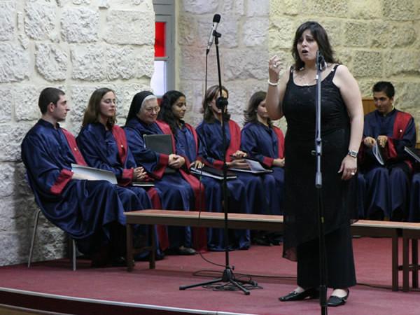 Hania, quando la musica e il canto diventano occasione di liberazione