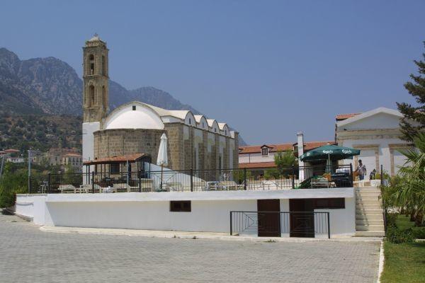 St. Anastasia, Lapethos, Kyrenia. Il monastero è utilizzato oggi come albergo.