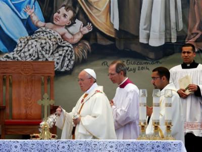 Papa Francesco ai ragazzi palestinesi: «Non lasciatevi schiacciare dal passato»