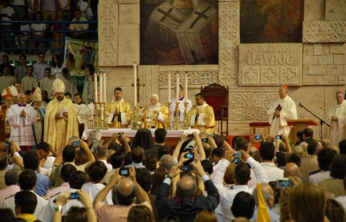 Al palazzetto dello sport Eleftheria la gioia dei cattolici di Cipro