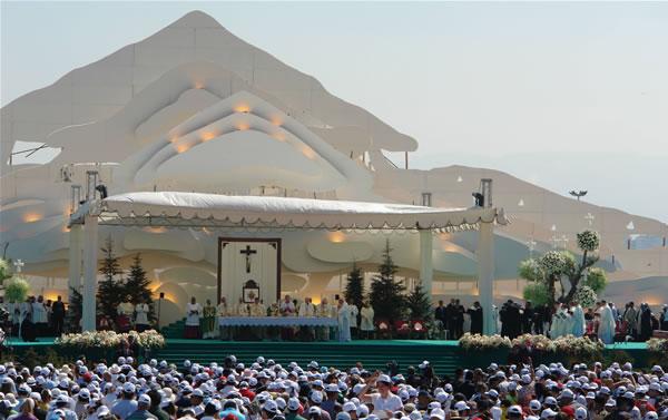 Benedetto XVI in Libano. Insieme per servire la pace