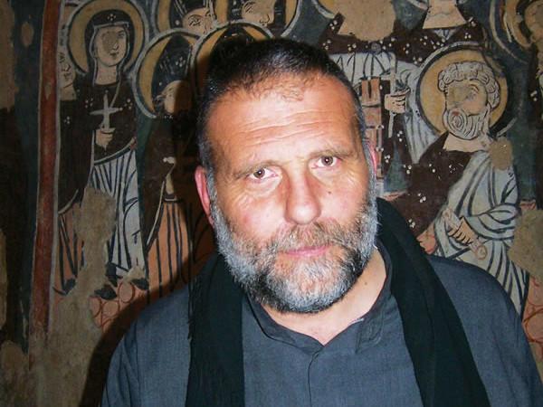 ... e padre Paolo Dall'Oglio, il responsabile della comunità monastica.
