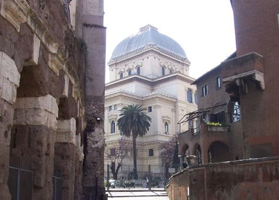 Cattolici di Terra Santa col Papa nella sinagoga di Roma