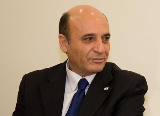 Profilo. Shaul Mofaz leader di <i>Kadima</i> e vice-premier