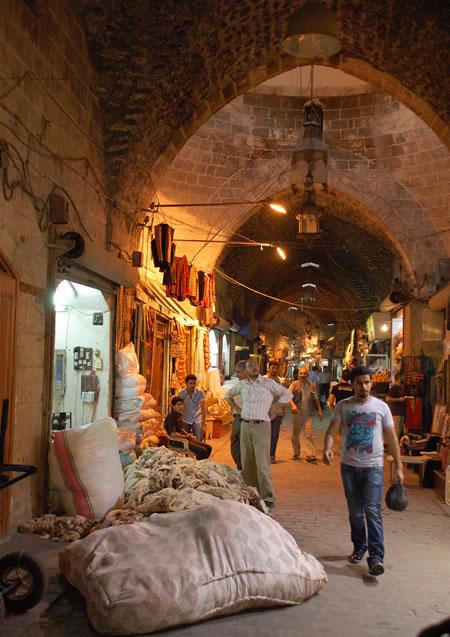 Siria. Il conflitto non risparmia conventi e beni archeologici