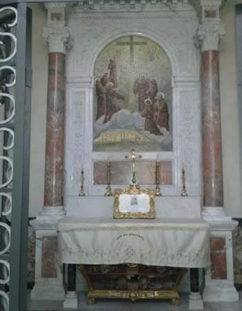 ... dedicato a otto martiri francescani di Damasco.