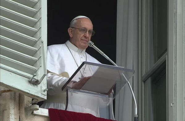 Papa Francesco invoca la pace per la Siria e per il mondo