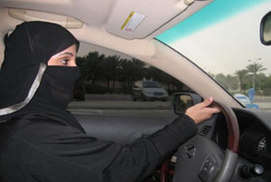Donne d'Arabia, una sfida su quattro ruote