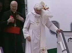 Il Papa arriva a Pafos: Cipro una ricchezza per Europa e Medio Oriente
