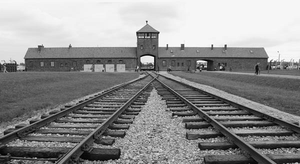 «Mai più genocidi», leader religiosi da Israele ad Auschwitz