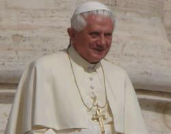 Benedetto XVI: «Il Signore susciti operatori di pace!»